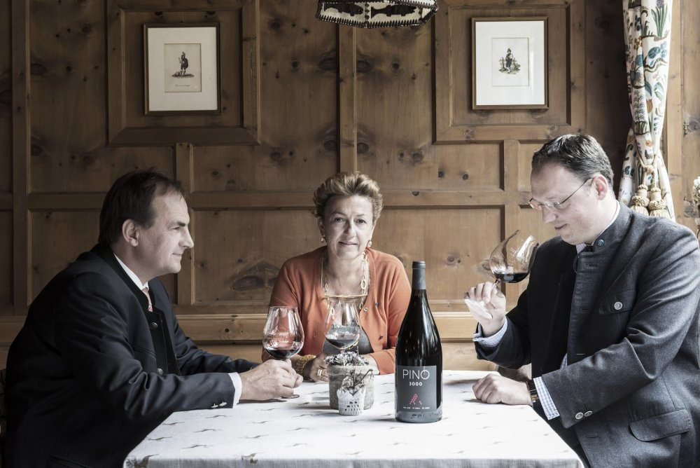 PINO 3000 tasting - Angelika Falkner, Martin Sperdin and Michael Waschl from the hotel Das Central in Sölden